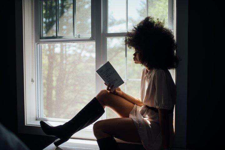 lezen vrouw hobby