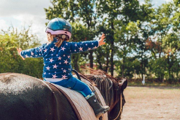 Paardrijden kind